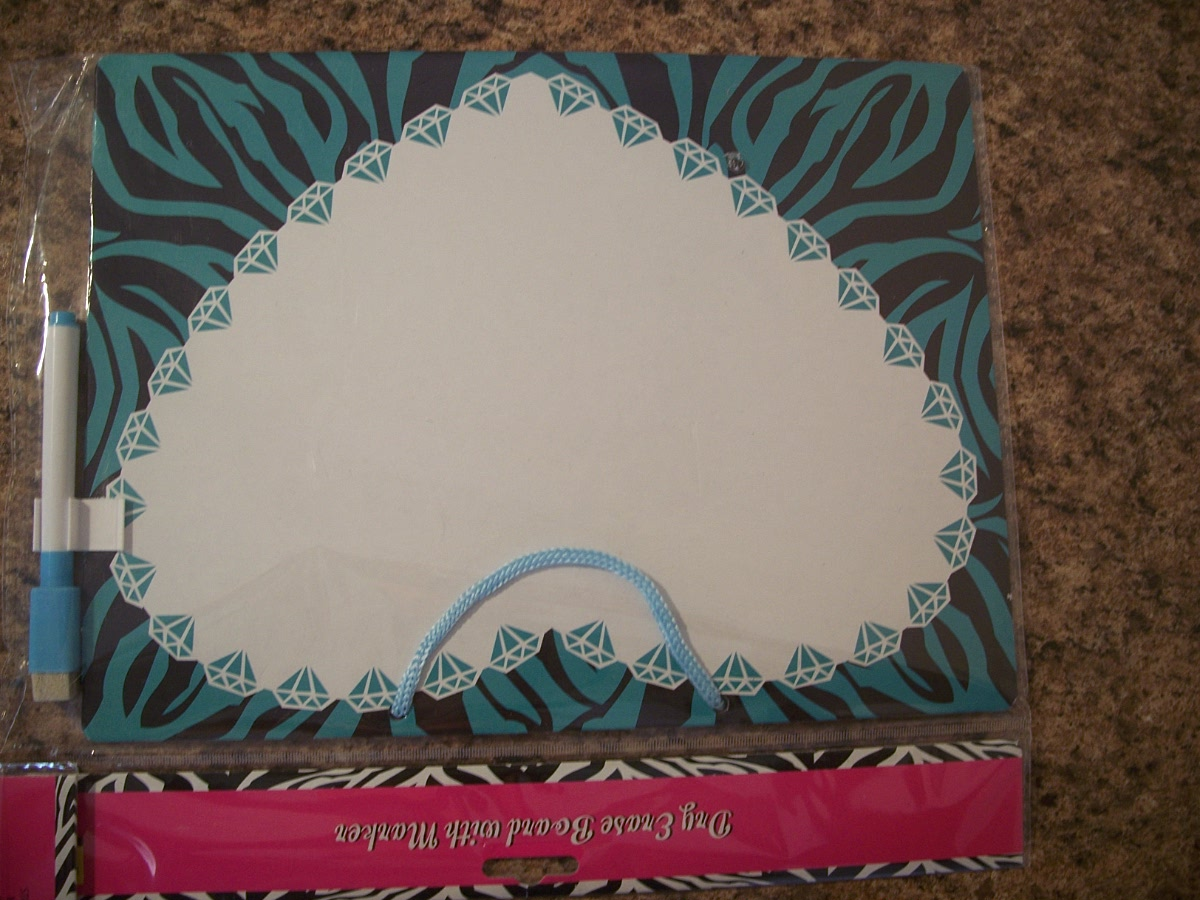 Dry Erase Board with Marker (heart)