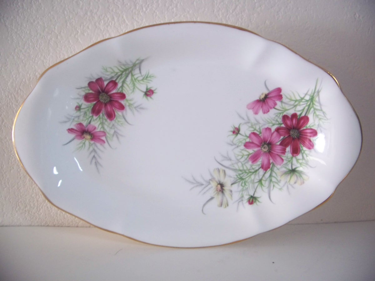 Royal Albert Friendship Cosmos with Wild Flowers