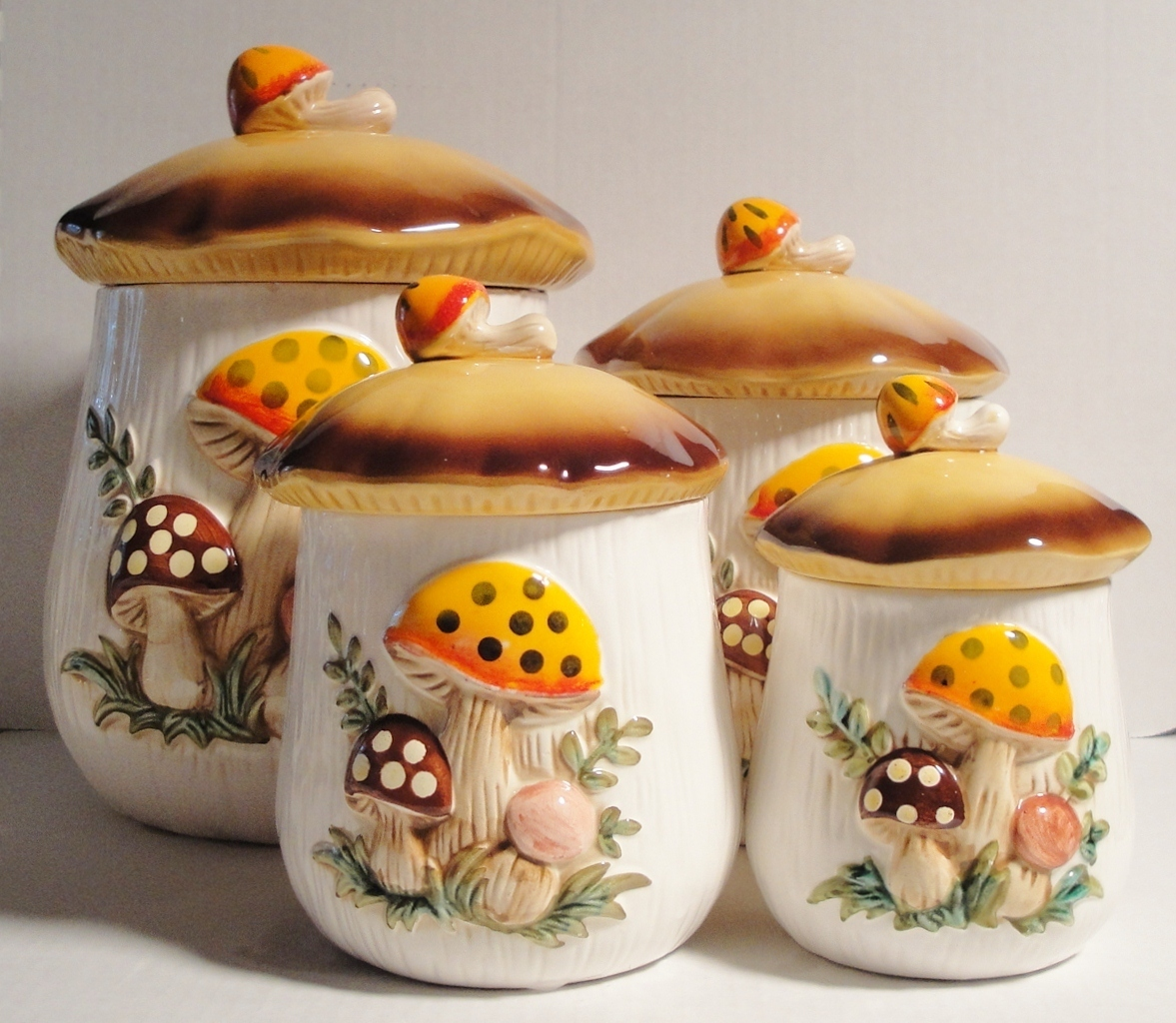 SEARS AND ROEBUCK COMPANY VINTAGE RETRO CANISTER SET, MERRY MUSH