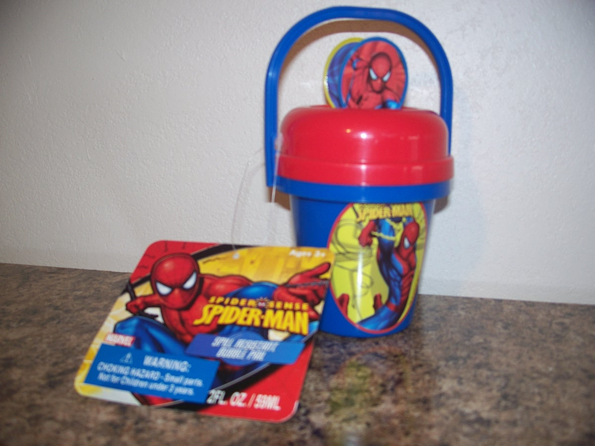 Spill Resistant Bubble Pail ( Spider-Man )
