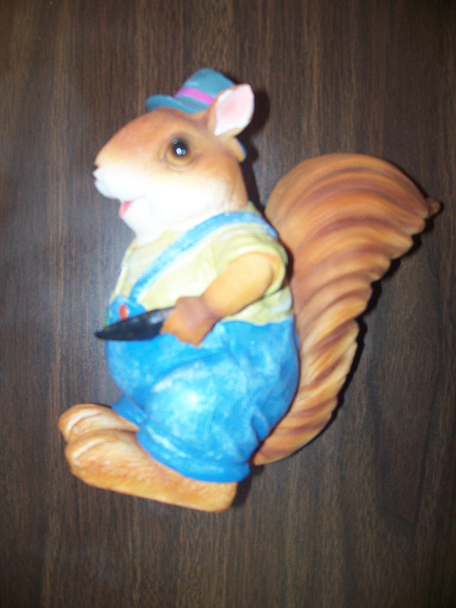 Squirrel Yard Decore