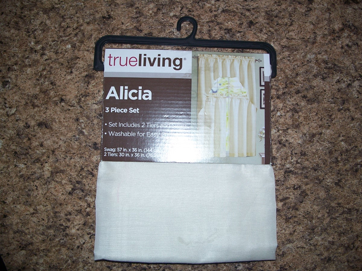 Alicia Curtains (3 Piece Set )