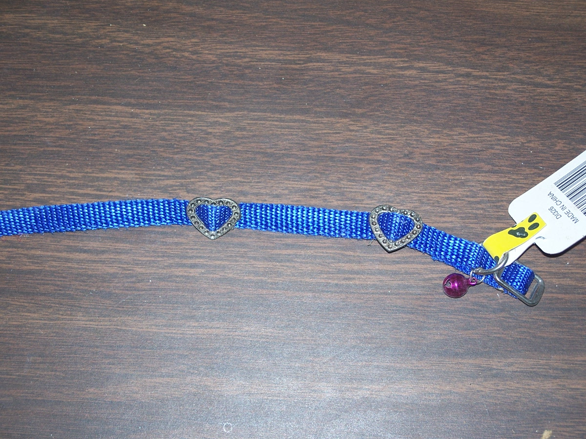 Tiny's Cat Collar with Bell (Blue Heart)