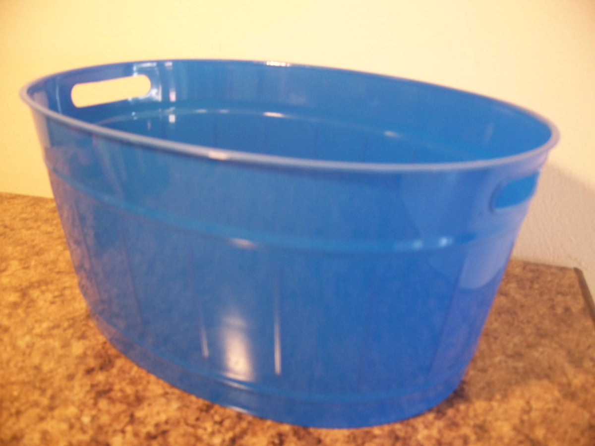 Plastic Washtub/Planter-blue