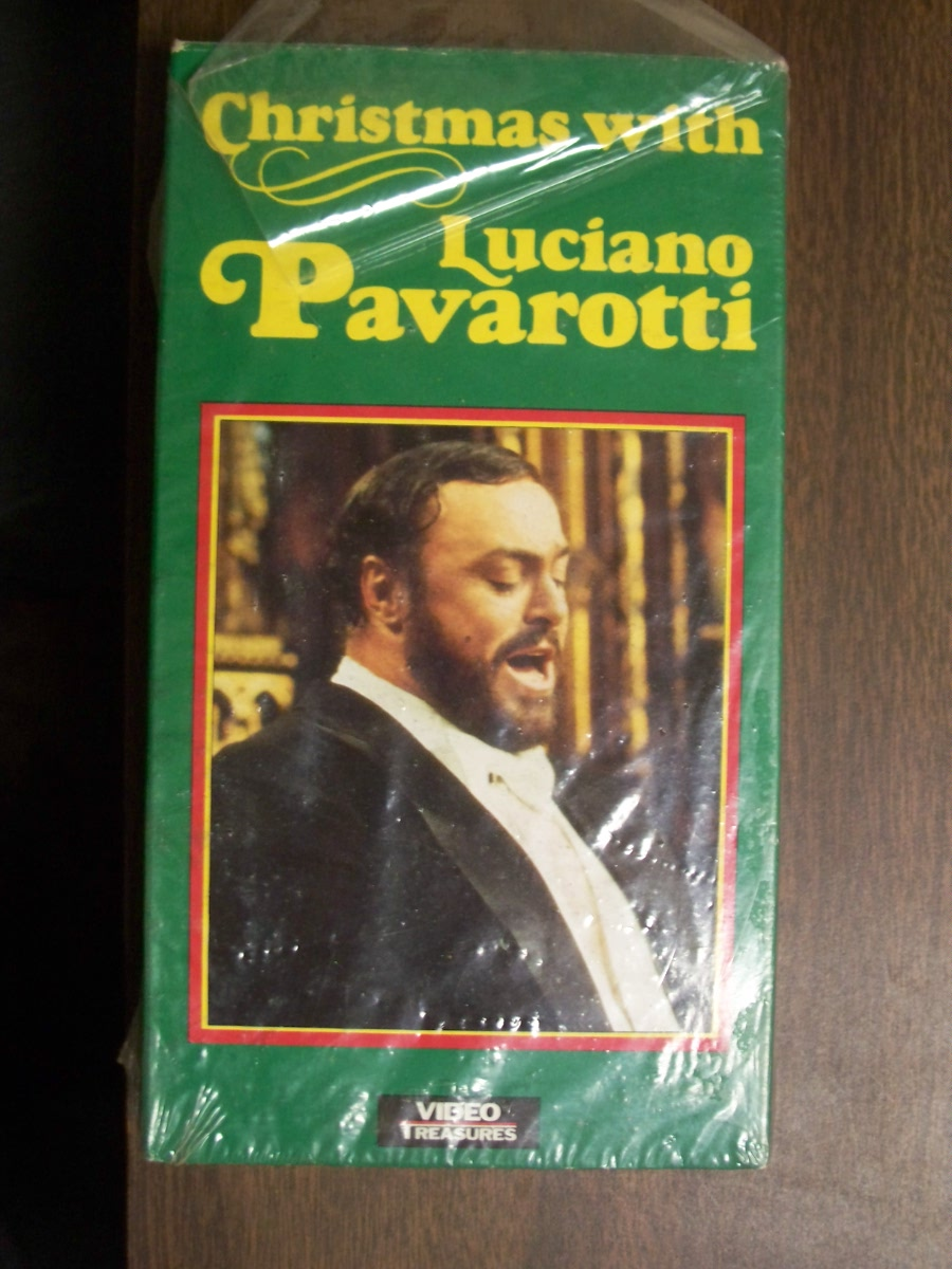 Christmas with Luciano Pavarotti (used)