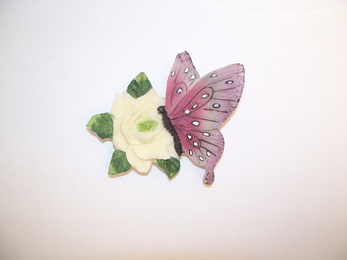 Collectible White Flower Purple Butterfly Refridgerator Magnet