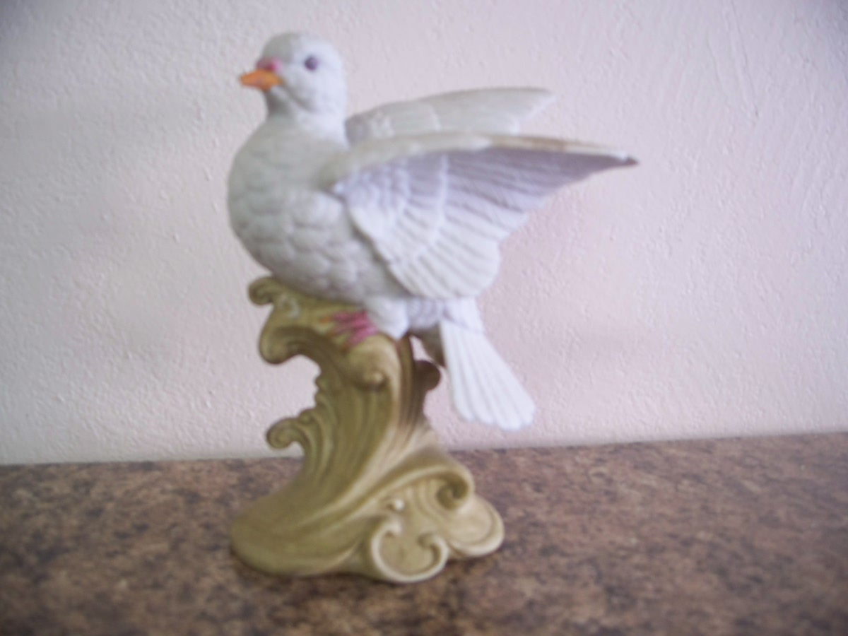 Collectable Porcelian Dove