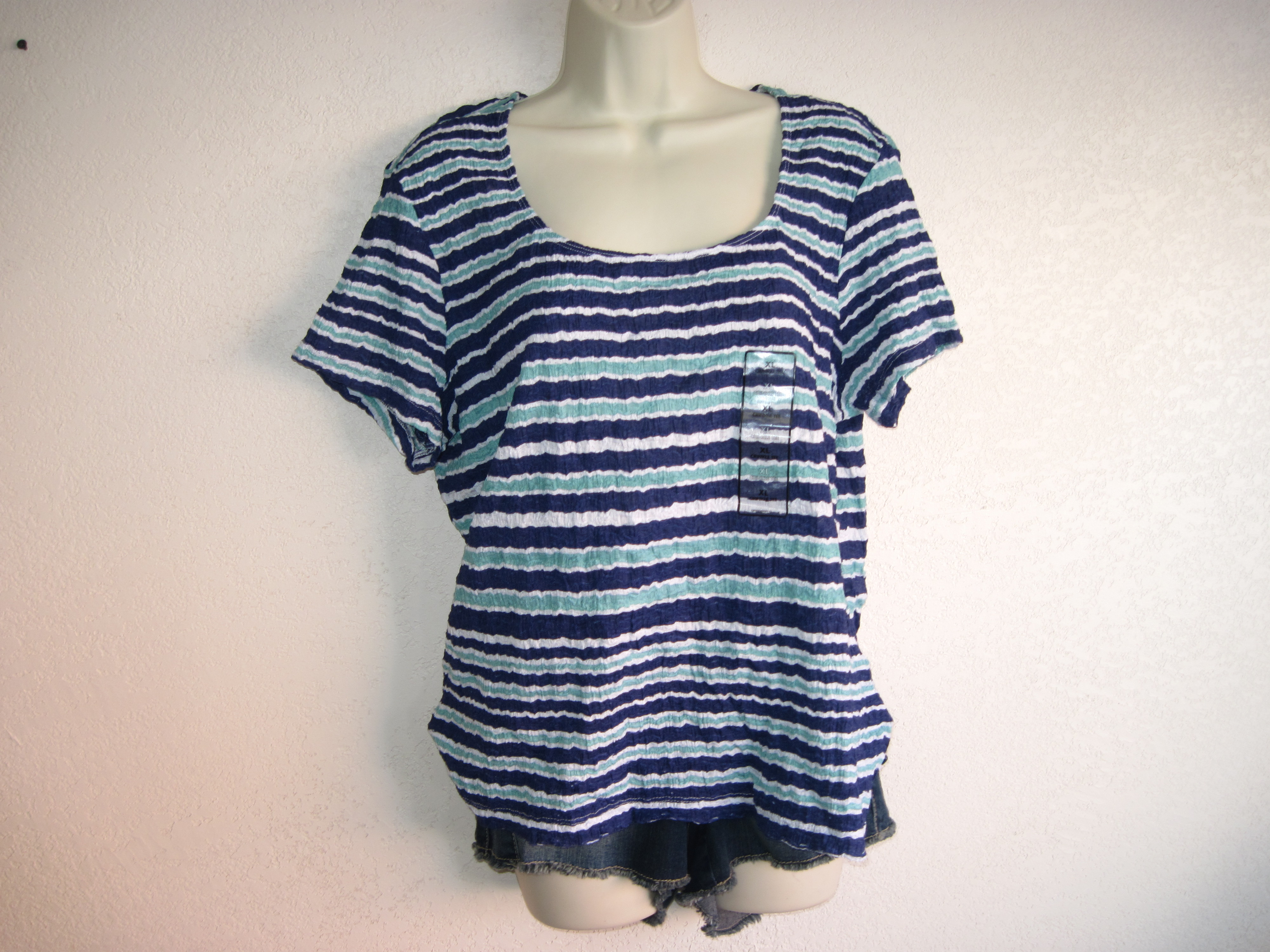 Jaclyn Smith Sz M Crinkle Tee Blue,White,Green