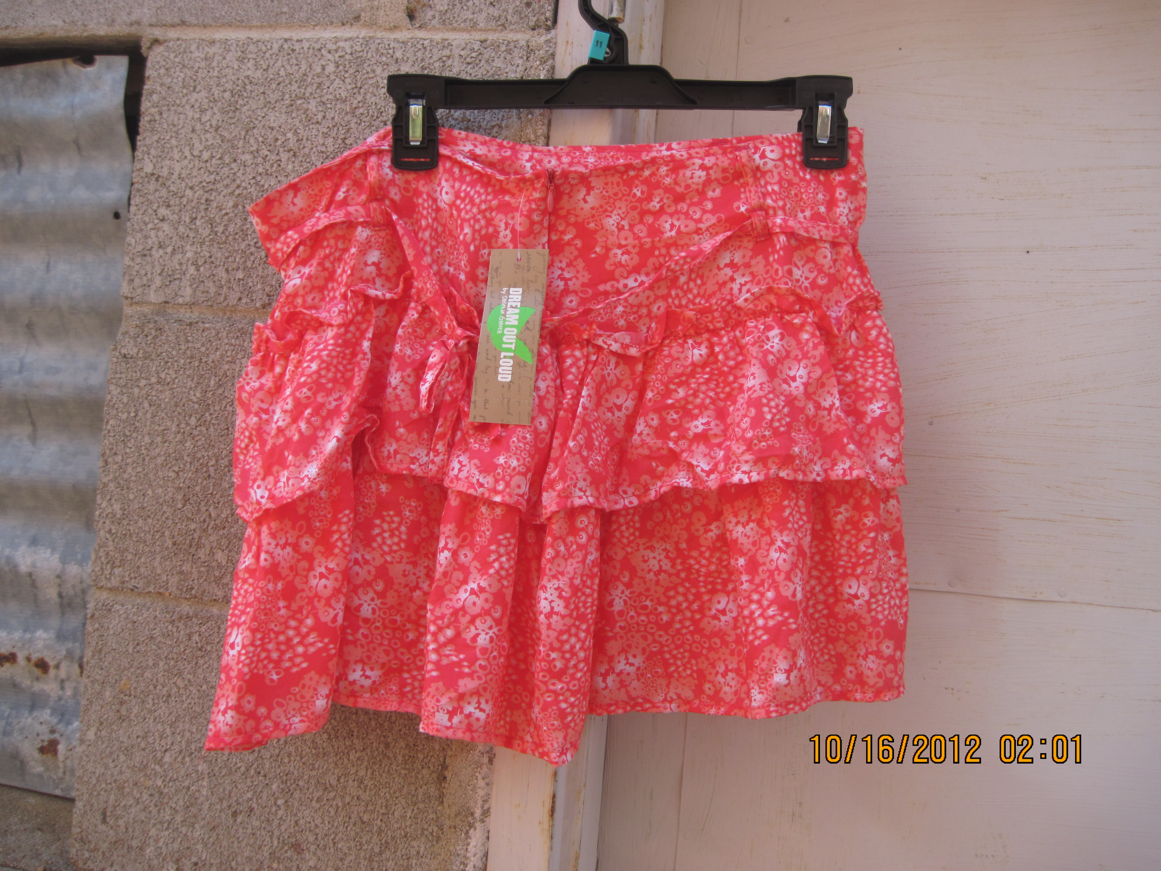 Dream Out Loud Sz 11 Skirt ( Flowers)