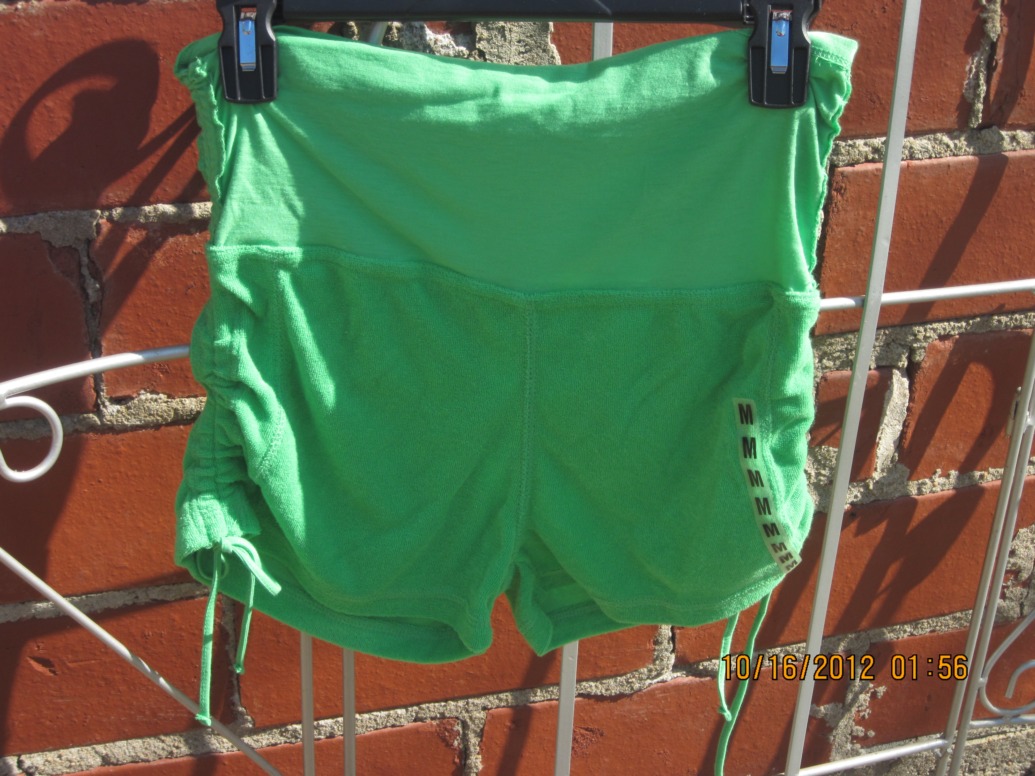 GLO Jeans Sz M Junior Shorts Green