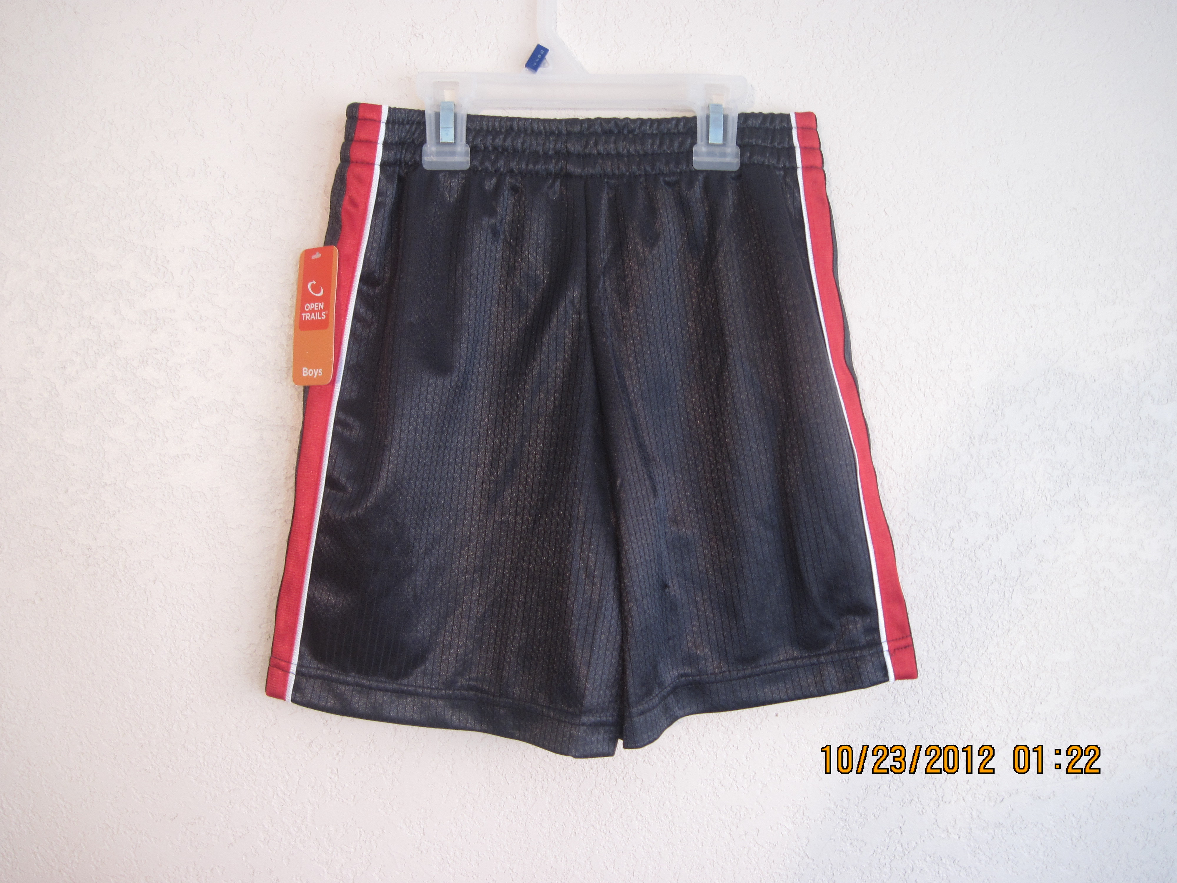 open Trails Sz S 6-7 Gray with white, Red down the side Shorts