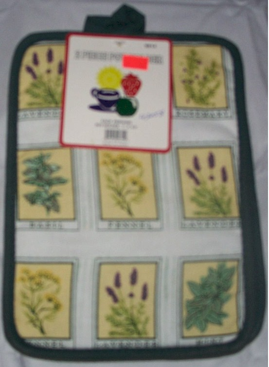 Green / White Oven Hot Pad Herbs pattern
