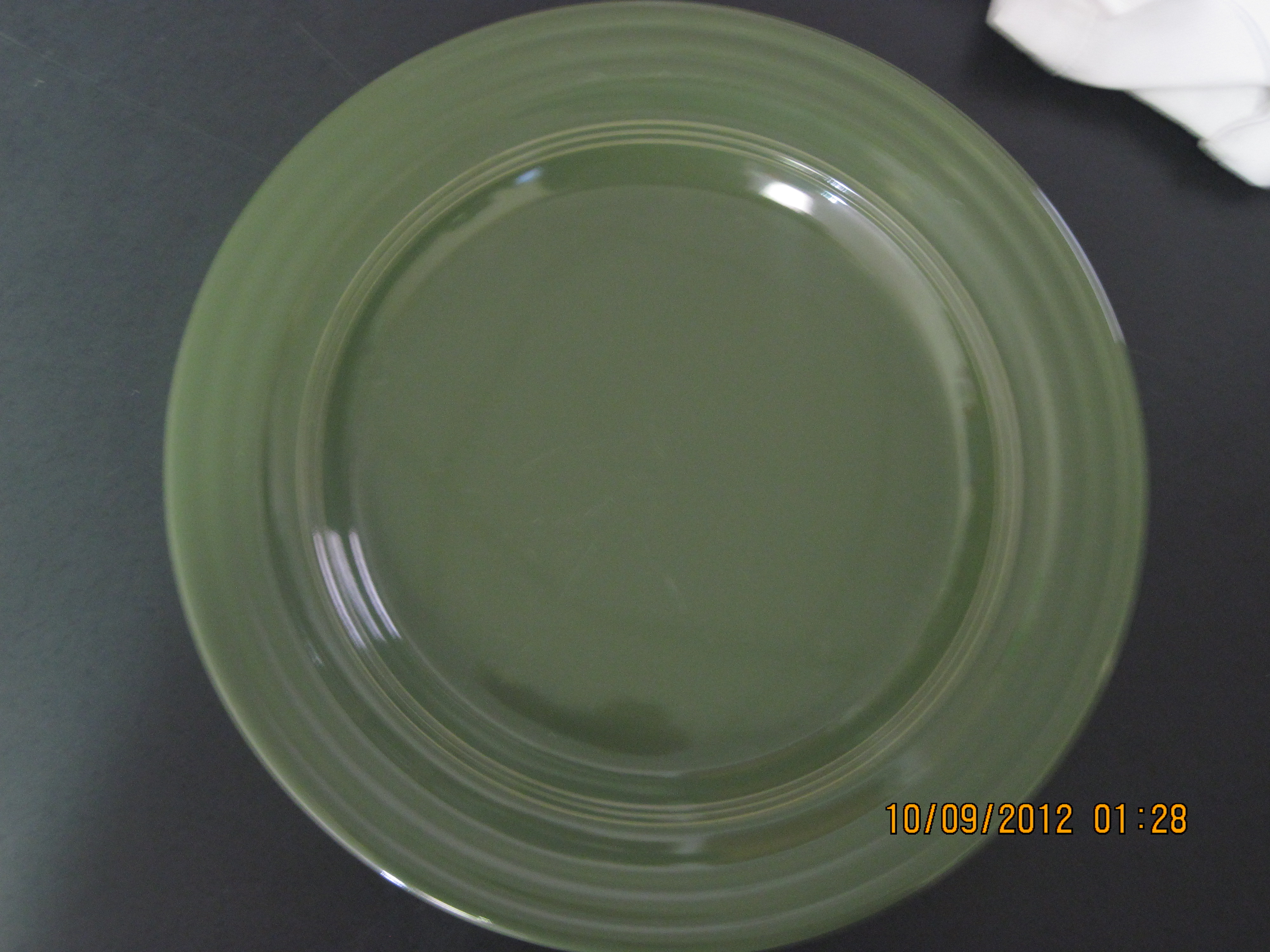 South of Border Dinnerware 10.5' Dia Green