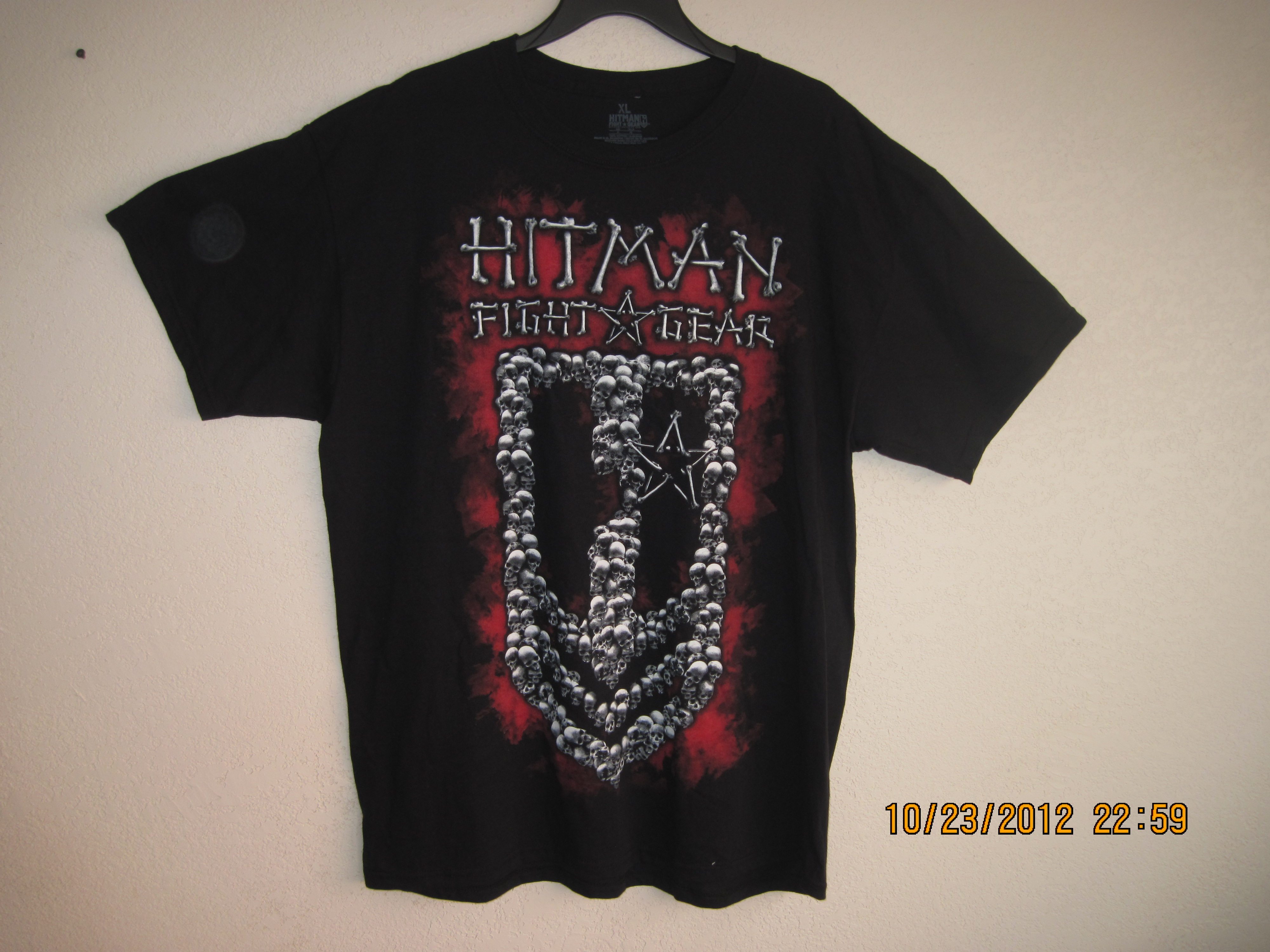 Hitman Fight Gear SzXL T- Shirt with Skulls Black, Red, White
