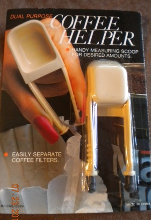 Dual Purpose Coffee Helper Measuring Scoop and Filter Separater