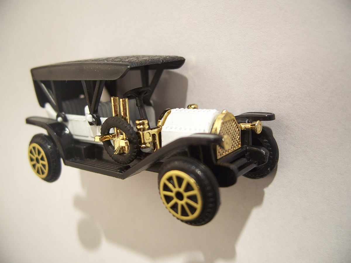 Collectible Miniature Readers Digest Oakland Simplex Antique Car