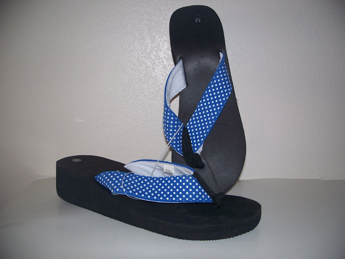 woman summer sandal shoes ( size M 8-9)