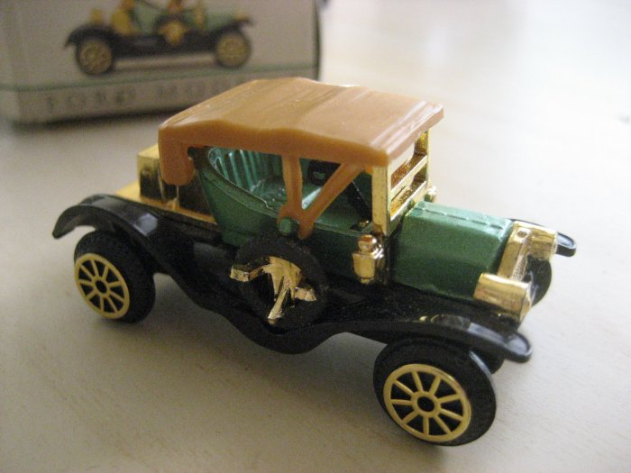 Collectable Miniture Ford Model T Model Car Collector