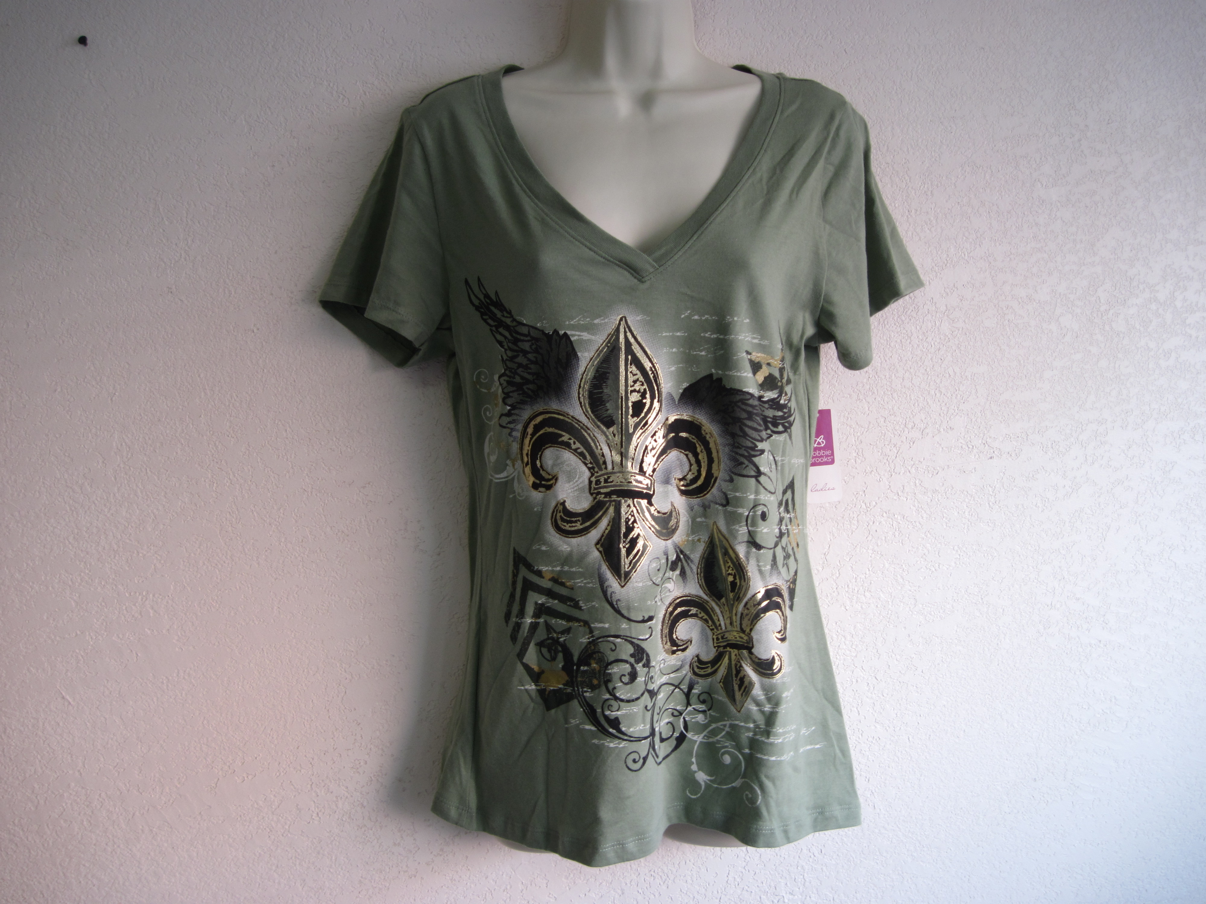 Bobbie Brooks Sz M 8-10 V-Neck Graphic Tee(olive green)