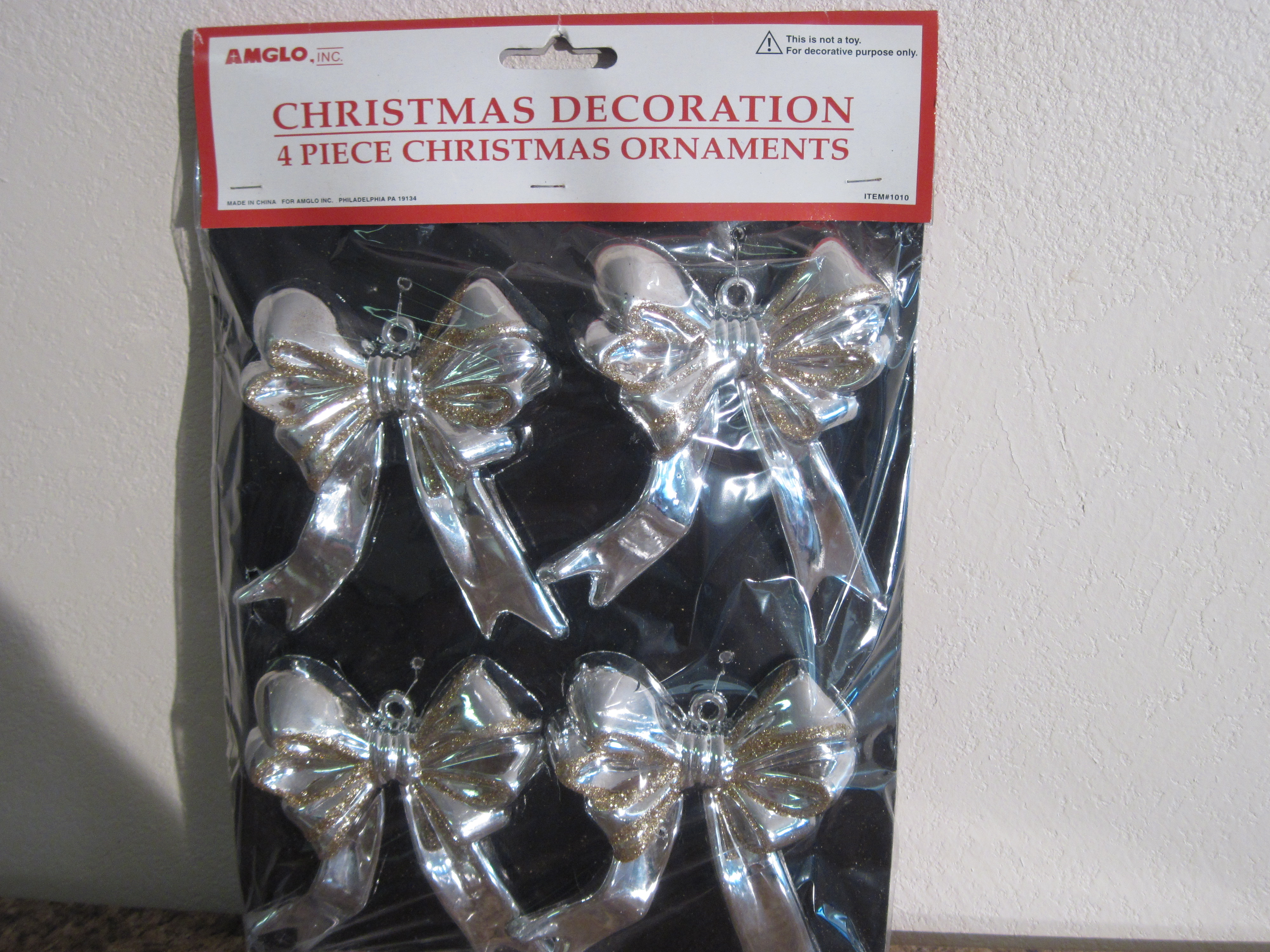 4 Piece Christmas Ornaments - Silver Bows