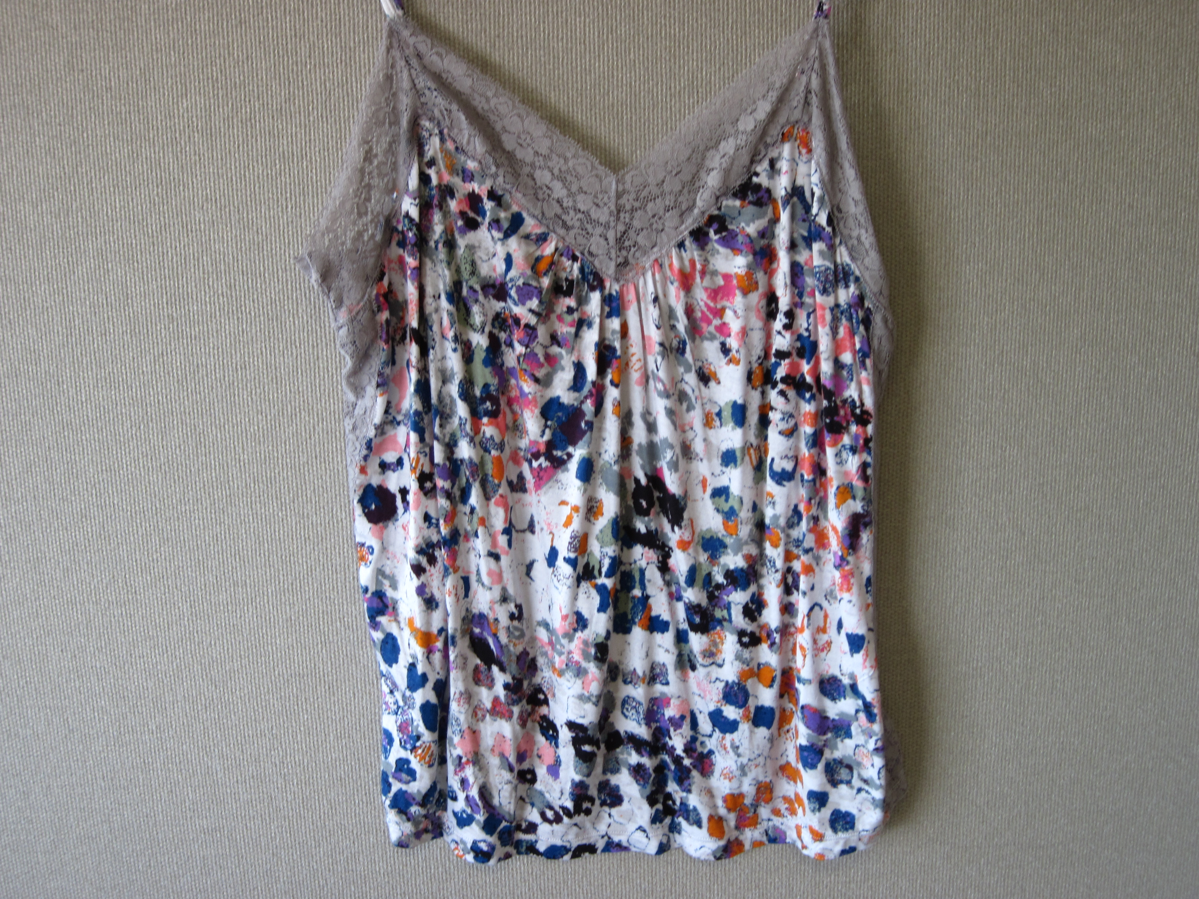 Sofia Vergara SzXL Lace Trim Cami Multi-Colored