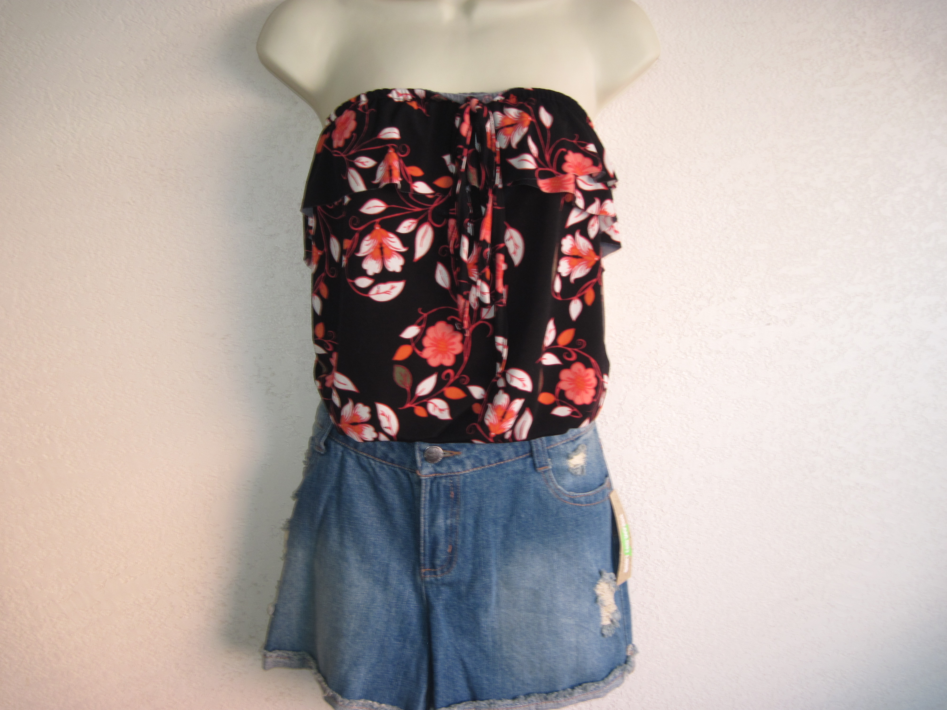 Dream Out Loud Sz L Juniors Tube top Flowers