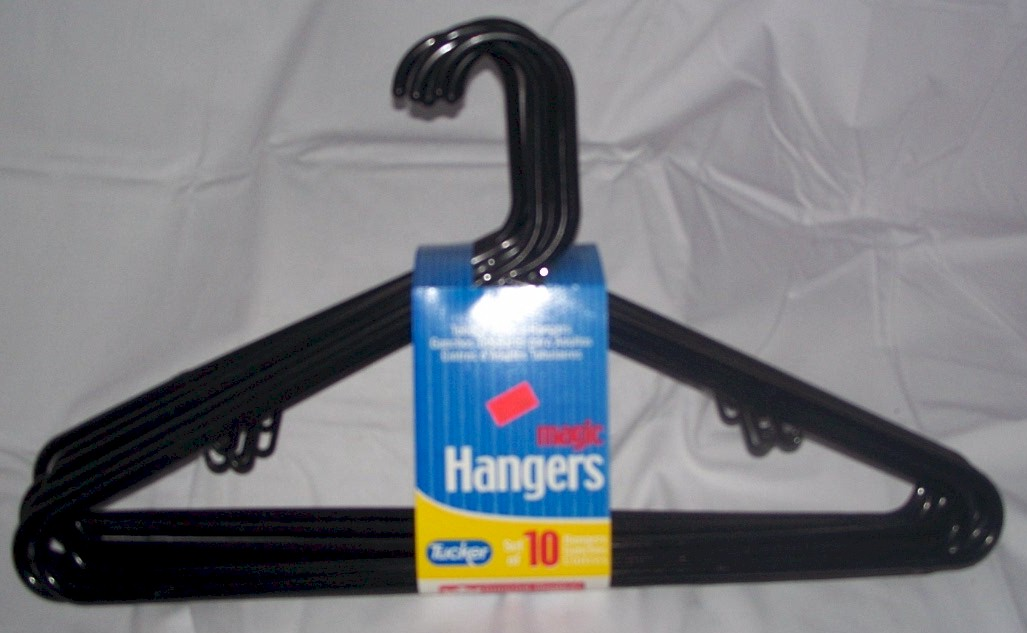 Tucker Black Plastic Clothes hangers 10 pc.