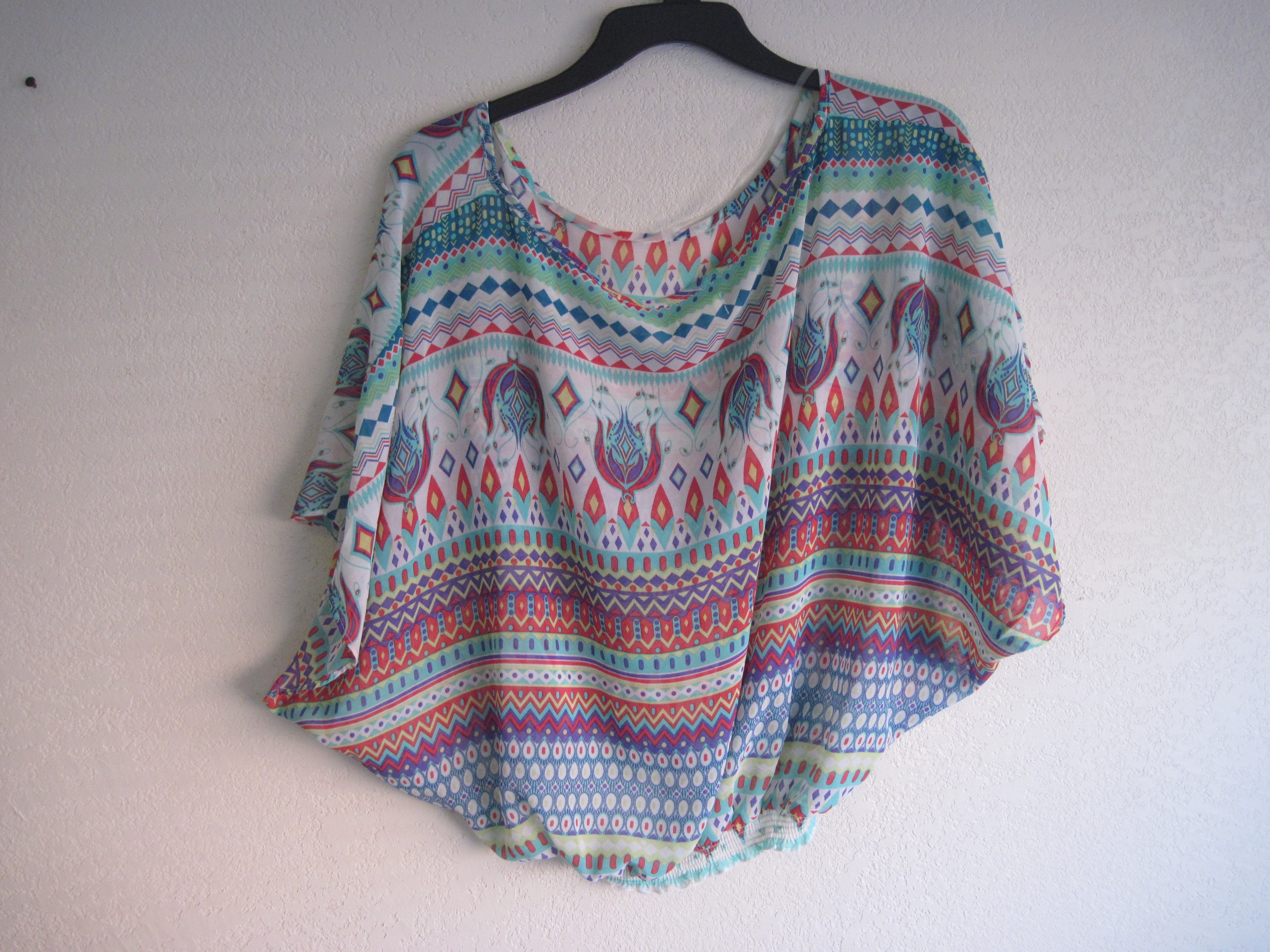 Dream Out Loud Sz XL Juniors Ladies Tribal Poncho Top white