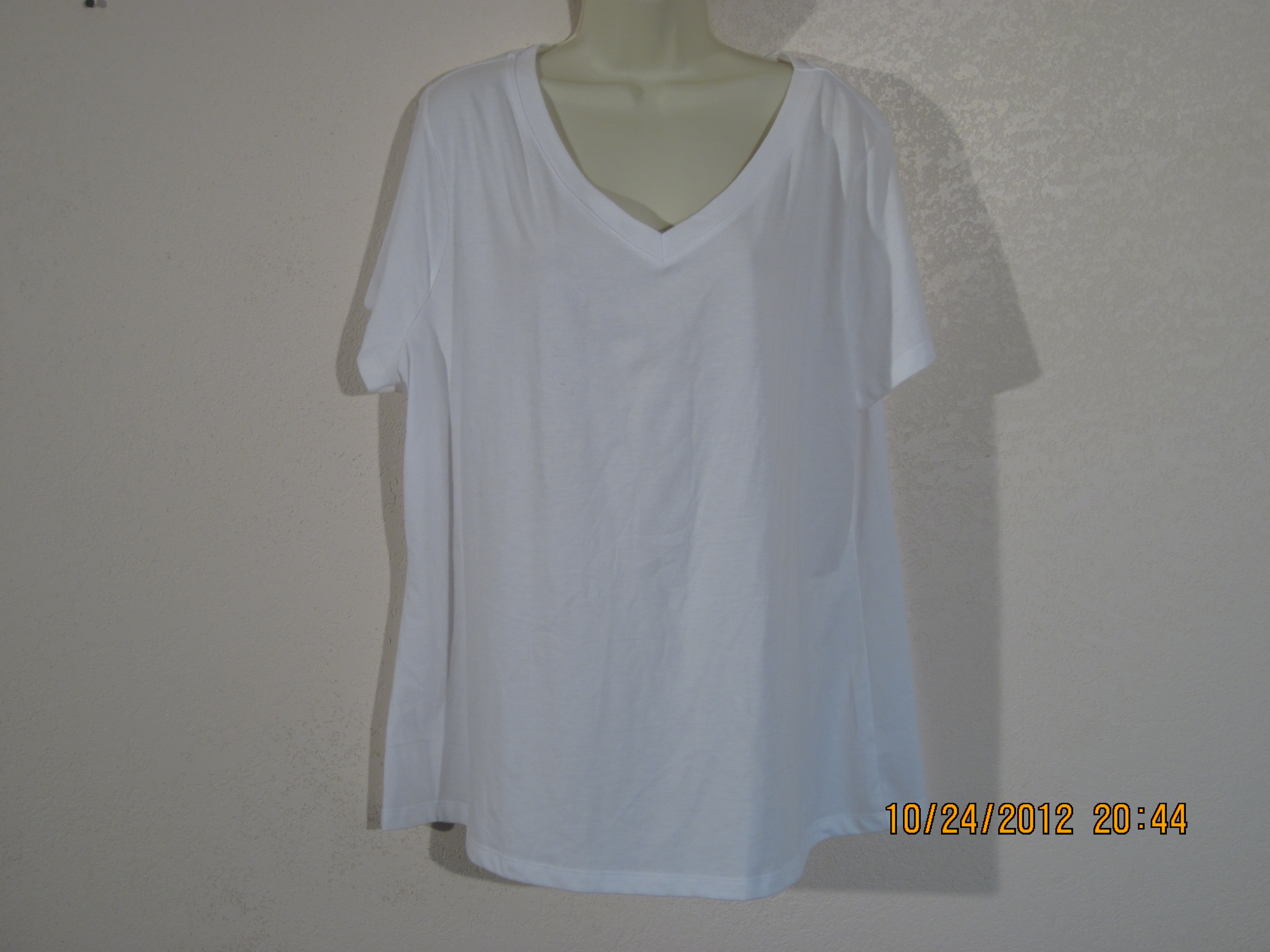 Bobbie Brooks Sz 3X 24-26 T-Shirt V-Neck (White)